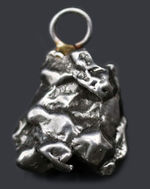 地球外物質を身に着けよう!鉄隕石、カンポ・デル・シエロを使ったペンダントトップ(シルバーチェーン、高級ジュエリーケース付き)
