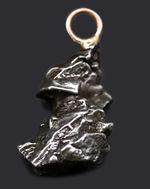 宇宙的オシャレ!鉄隕石、カンポ・デル・シエロを使ったペンダント(シルバーチェーン、高級ジュエリーケース付き)