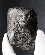 巨大&ヘビー!630グラムオーバー!世界的に名の知られた鉄隕石、カンポ・デル・シエロ(Campo del Cielo)の巨大標本。特徴的な凹凸を御覧ください