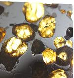 カンラン石と鉄ニッケルの幾何学模様に隠された壮大なロマン。石鉄隕石ブラヒンパラサイト