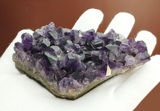 200グラムオーバー!結晶の集合体を原石で楽しむアメシスト標本(Amethyst)/ 【ot855】