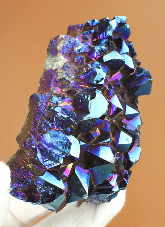 チタンコーティングされた水晶。青を基調に七色に輝きます。/ 【ot984】